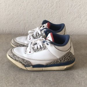 ✅Boys Air Jordan Retro 3 TRUE BLUE Shoes size 1Y